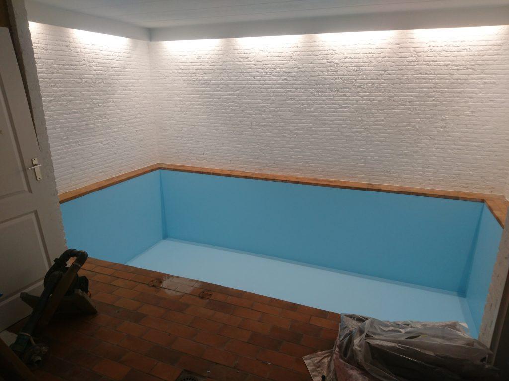 Zwembad en vijver coating poly4u polyurea hotspray for Zwembaden verkoop
