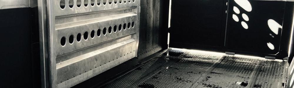 kunststof coating paardentrailer